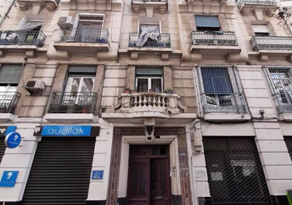 A vendre un appartement de type F4 arrangé en F3 d'une superficie de 70m,