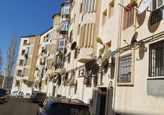 Vente un appartement de type F3 a EPLF Tala ouerien au 3 ème étage état a refaire les finitions