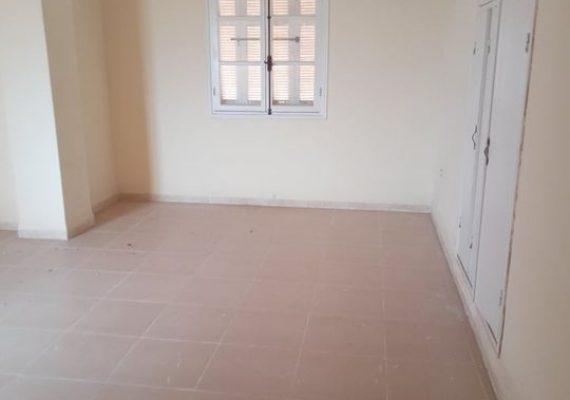 LOCATION F4 ,3ème étage à Russel, Béjaia