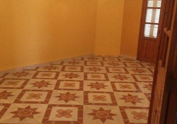Très belle Maison en R+2 à vendre à la cité douanière, Béjaia
