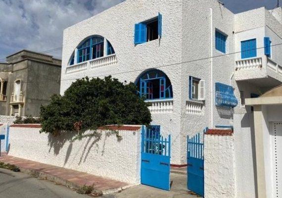 L'agence immobiliére #Investimmo, vous propose une Villa R+2 dans un quartier calme , à Rades Miliennes avec une superficie de 511 m²,