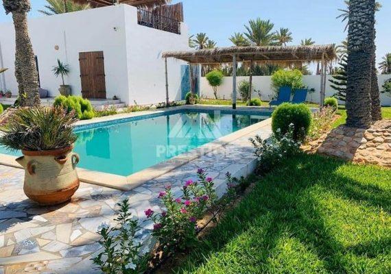 Pour profiter d'un excellent séjour à Djerba 🏝️au bord de la plage🌊🏖️ 🦀🍹Djerba Affaires vous propose: