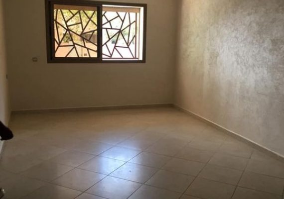Nous vous proposons à la location un appartement à Mimosas, avec 1 salon, 2 chambres à coucher avec placards, cuisine , salle de bain et salle d'eau. Ascenseur, sécurité et parking au sous-sol.