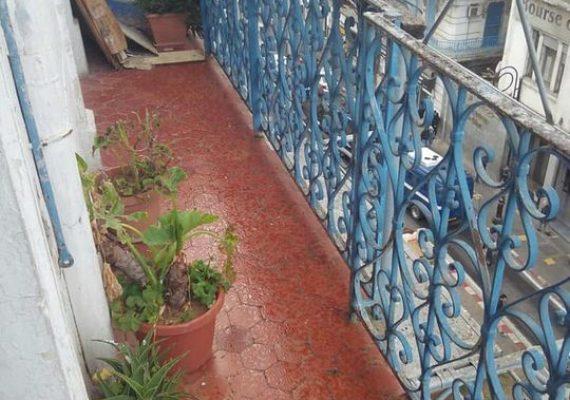 📌notre bureau met en vente un jolie appartement F3 🏢au plein centre ville d'Alger , rue Amirouche sur la route principale en face la bourse d'Alger de 75 m² (5 éme étage) de superficie Habitable et à proximité de toute commodité de vie avec un prix très attractif.