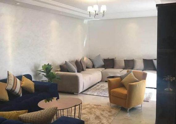À louer meubler un joli appartement dans une résidence de haut standing au cœur de Guéliz à 2mn du centre commercial Carré Eden.