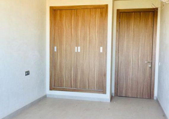 Location d'une appartement vide toute neuf haut standing a l' Avenue Abdelkrim El Khattabi dans un endroit calme composé de deux chambres à coucher, une avec dressing et l'autre avec des placards et des balcons , deux salles de bain et une cuisine bien équipée avec des climtisations au 1er étage avec ascenseur dans une résidence haut standing deux entrées et piscine 👁🗨le prix 5000 dhs nègociable pour plus d'infos contact us 📞+212641197917 📞+212657267934