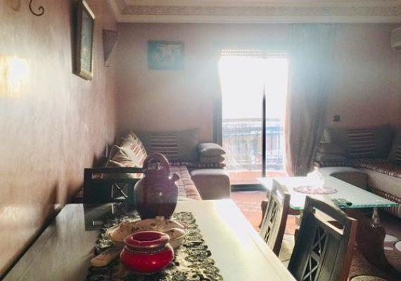 #votre_coin_immobilier_à_marrakech vous propose une appartement bien ensoleillée meublé de deux chambres, salon avec des balcons, une cuisine bien équipée au 3éme étage Résidence avec parking sous-sol et ascenseur, familiale et propre avec un bon voisinage au Route de Casablanca 🔅le prix 6500 dhs pour plus d'infos contact📞+2126 41197917 📞 +212657267934