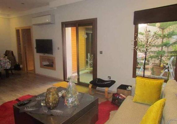 Sur la route de Casablanca, a proximité de Marjane et dans une résidence propre et sécurisée, Your's immobilier vous propose un duplex meublé a la location longue durée.