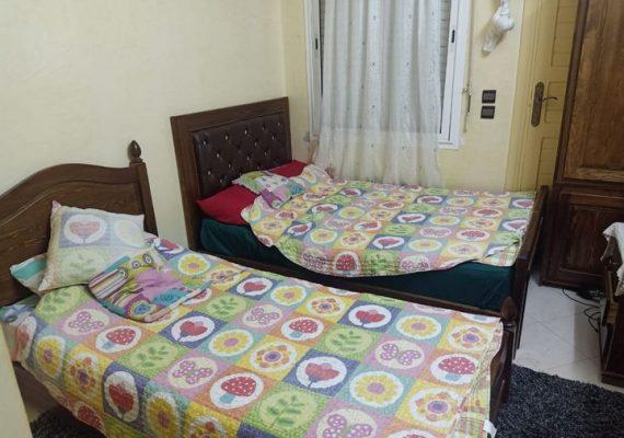 Dans une résidence fermée, calme, et sécurisée près du quartier Tafoukt, un bel appartement en vente de 78 m² au deuxième étage, bien ensoleillé et bien agencé