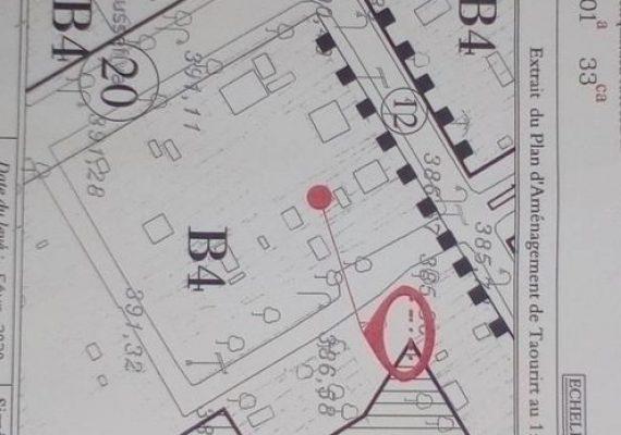 Ancien Maison à vendre pour construire une bâtiment de R+4 au boulevard principal de l'ANCFCC et la délégation du santé Taourirt