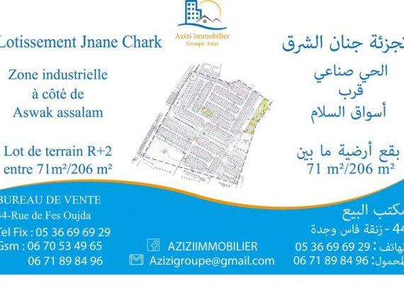 * Terrain pour habitations et commerces