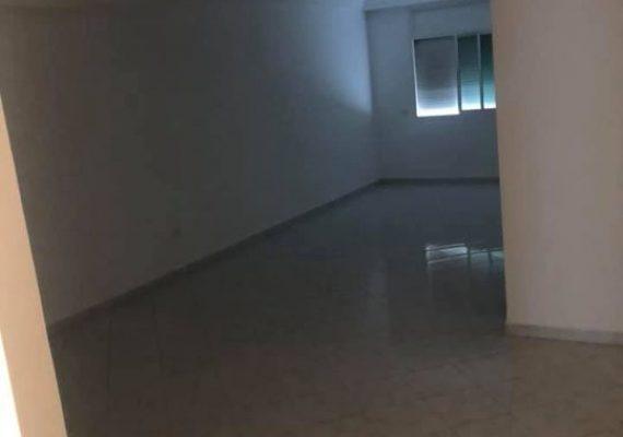 A louer, appartement de 120m² situé au KFC de l'agdal dans un immeuble calme, propre et sécurisé avec ascenseur et place au garage