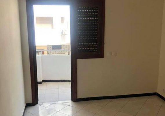 A louer, appartement entièrement renouvelé de 76m² situé sur l'avenue de france dans un immeuble calme, propre et sécurisé avec ascenseur et place au garage