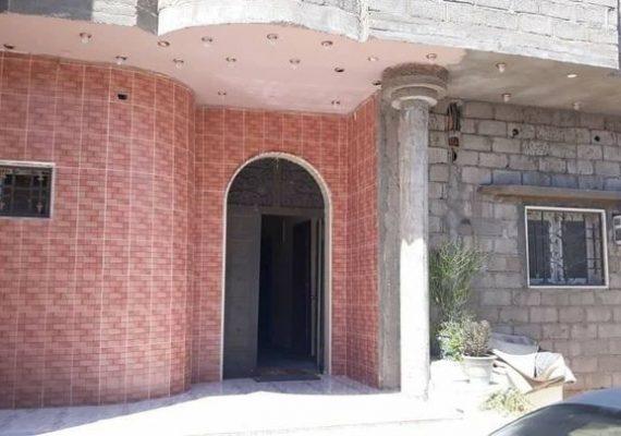 🏠منزل للبيع مسقوفه 340م 🔆يتكون من (5 حجر كبيرة و3 حمامات اكبار وصاله ومربوعه مشاء الله ومطبخ )