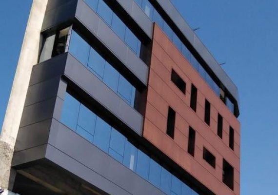 Retour à la normalité depuis un mois pour le chantier Med Business Center. Le centre est en phase finale de finition et bientôt la livraison des premiers bureaux.