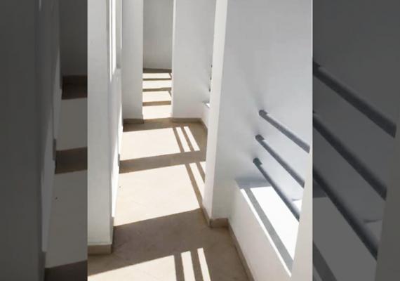 Asolati Immobilier met en location un bel appartement meublé de 2 chambres, un salon, cuisine, un SDB et balcon.