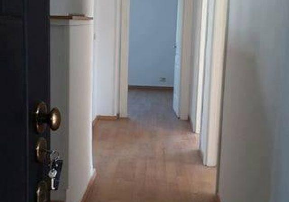 A louer Appartement S+5 meublé)à usage de bureau à la cité Mahrajéne .