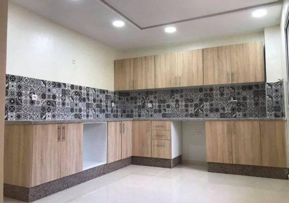 شقق متكونة من غرفتان وصالون متواجدة في حي اليونس مهدية ذات مساحة 132متر مربع تتميز بجودتها وقربها من جميع المرافق تمن هو 60 مليون قابل للنقاش