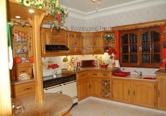 À Vendre – Une très belle villa style américain – bâtie sur un terrain de 552m² à Hammam Chatt côté mer – Ben Arous.