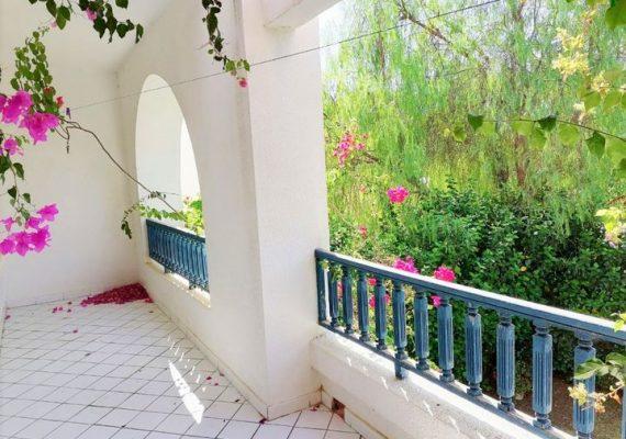 UN TEMPS À TERRASSE 🐦À VENDRE 🔑 – un Duplex S+2 de 133m² lumineux à souhait dans la prestigieuse résidence du Golden Tulip. 🤩