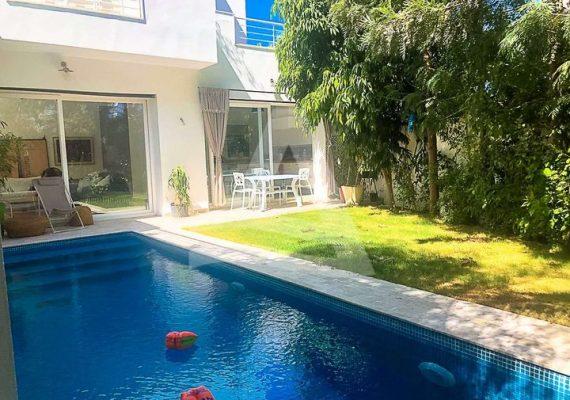 #Arcane immobilière vous propose la #Location d'une villa avec piscine à #Gammarth