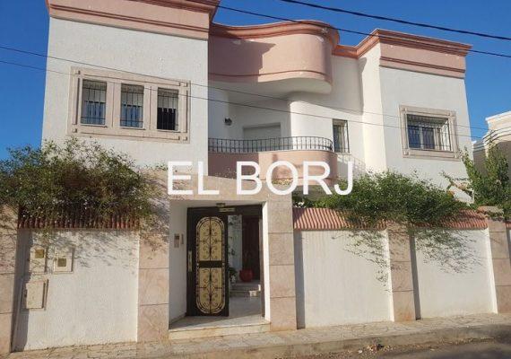 Agence immobilière EL BORJ vous propose une villa à Hammam Chatt côté plage.