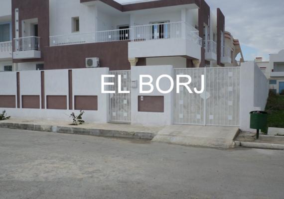 Agence immobilière EL BORJ vous propose une villa de maître située à lotissement les sables d'or à Borj Cedria, à 2 min de la plage, construite sur un terrain de 333 m² et la surface couverte 280 m².