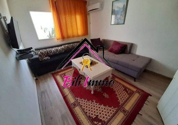 🤩L'agence bili immobilière vous propose pour location annuelle joli studio 🏠🏠 s+2 bien placée dans une quartier très calme et propre à khzema charkia