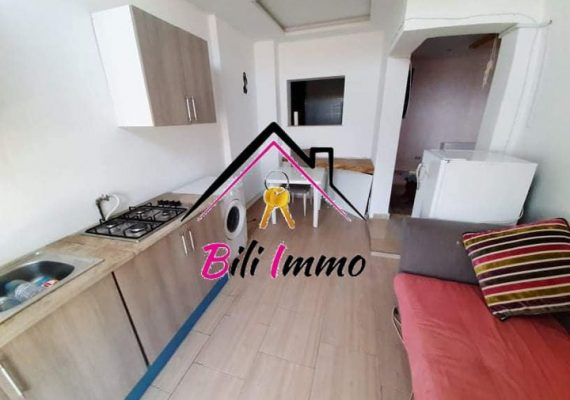 🤩L'agence bili immobilière vous propose pour location annuelle joli studio 🏠🏠 s+0 bien placée dans une quartier très calme et propre à khzema charkia
