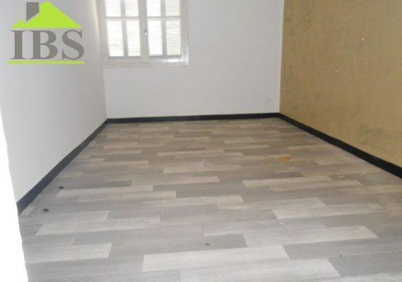 Immobilière Ben Saïd met en vente un appartement d'une superficie de 120 m² situé au 3ème étage d'un immeuble dans un quartier calme à Cité Belvédère .