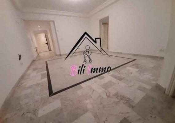 Agence #Bili Immobilière vous propose Un joli appartement S+3 sans meubles pour location annuelle avec parking sous sol